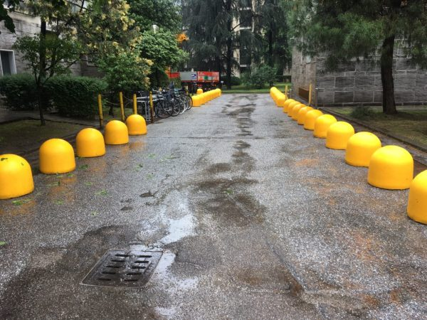 dissuasore panettone stradale giallo