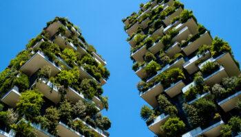 bosco verticale Milano arredo urbano sostenibile